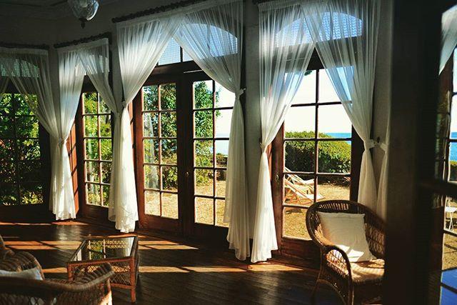ヴィラ・デル・ソル客室窓