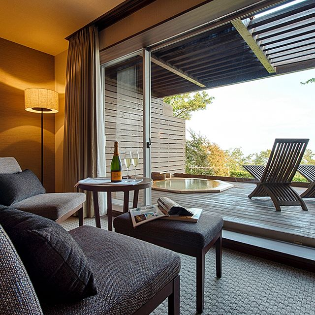 ホテルグランバッハ 客室窓