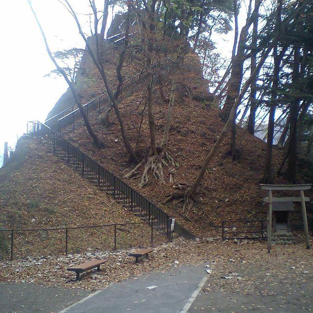 楯岩鬼怒姫神社