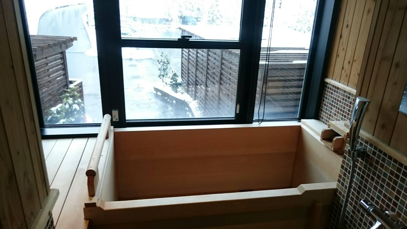 客室檜風呂