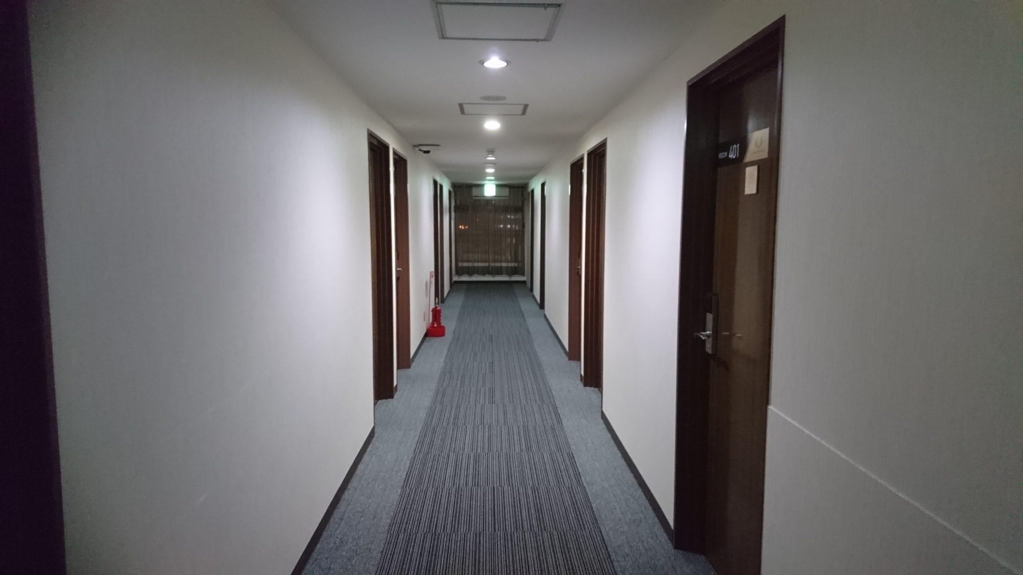 ホテル4条 廊下
